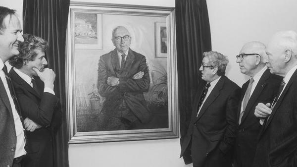 T.K. Whitaker at the unveiling of his portrait in the ESRI